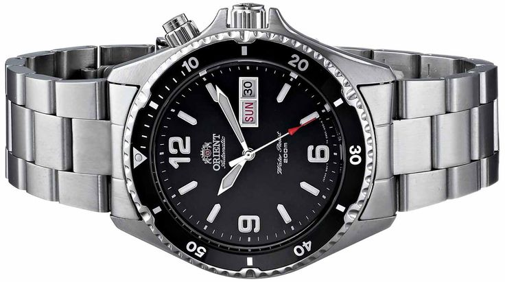 2015's Best Dive Watches Under $200: Our guide to beautiful, yet inexpensive dive watches.