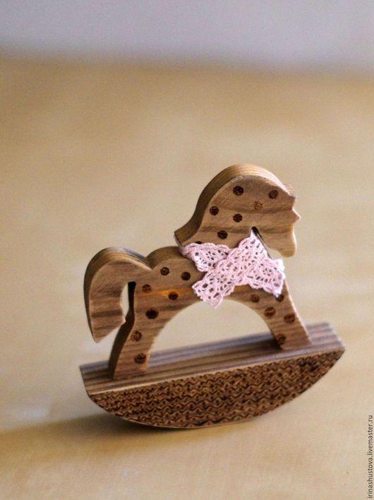 Игрушки животные, ручной работы. Заказать лошадка качалка. Два цвета (irinashustova). Ярмарка Мастеров. Лошадка интерьерная, игрушка из дерева