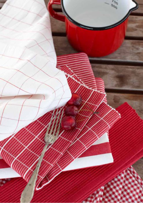 Red and white linens.