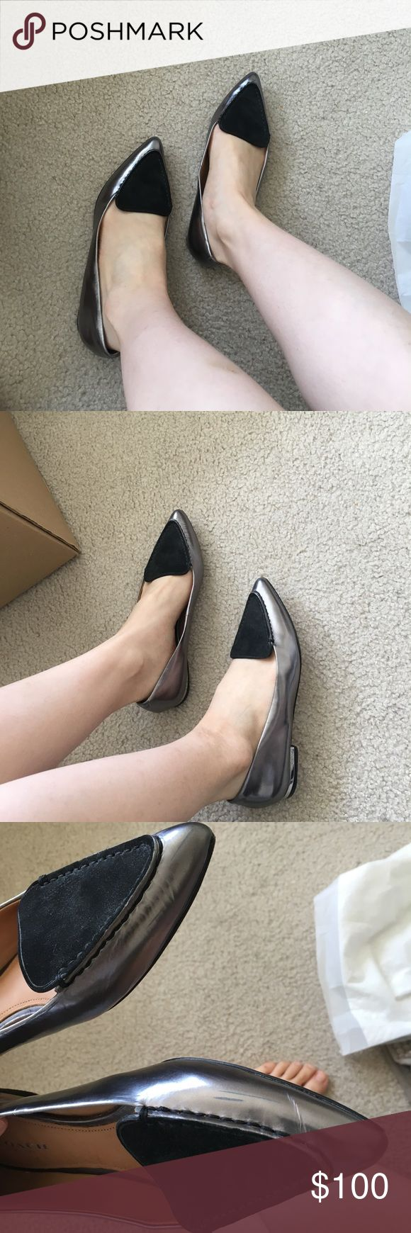 COACH flat shoes 90% New, worn one time In really good condition, slightly scratched. It's size 35, kinda small for me. Coach Shoes Flats & Loafers