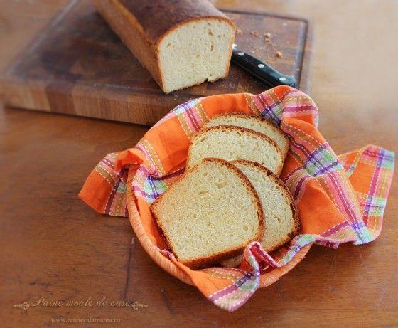 De la paine, partea pe care eu o prefer este coaja, asa incat ma dau in vant dupa painea cu coaja crocanta si robusta. Ceilalti doi membri ai familiei mele, insa, au nevoie si de paine pentru sandvisuri, cu coaja moale si supla, asa incat e nevoie sa ma adaptez cerintelor si sa pregatesc macar [�]