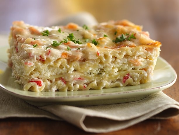 A new Friday meal for Lent {tonight's meal but with real crab}: Creamy Seafood Lasagna