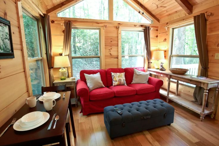 Modern and Cozy Cabin Rental near Dupont State Forest, North Carolina