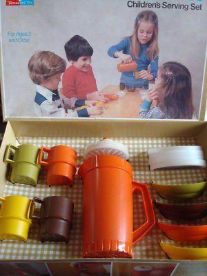 Vintage Tupperware toy dish set