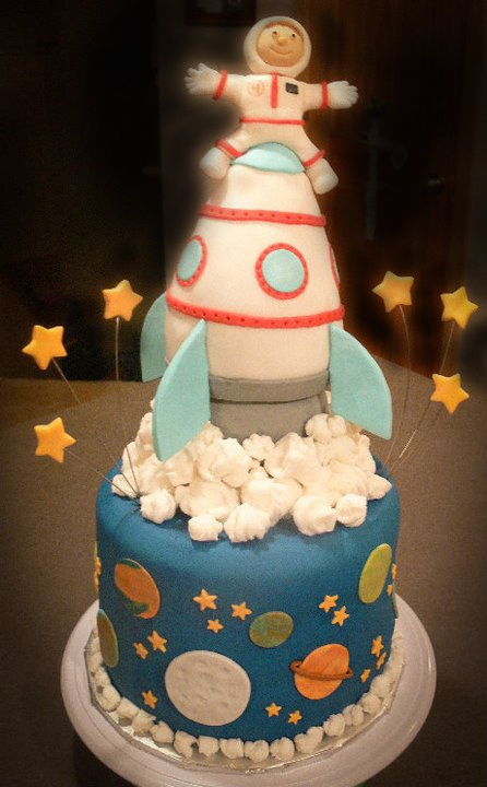 17 best images about rocket ship outer space party on for Cake decorations outer space