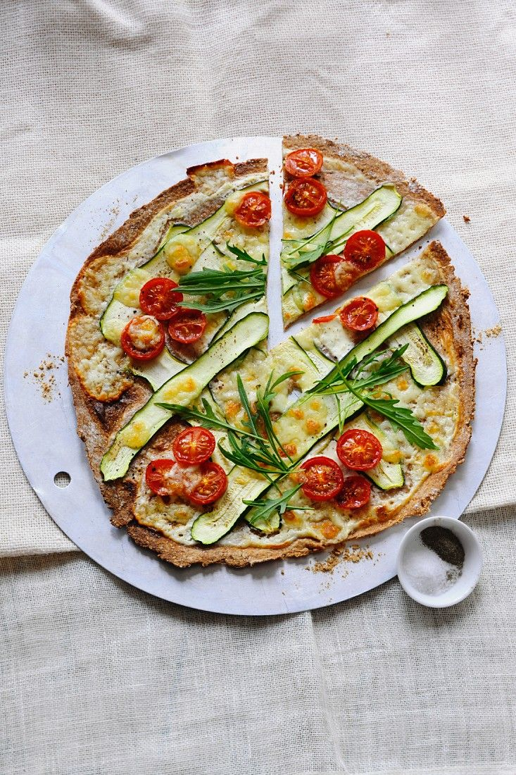 Gemüse-Flammkuchen | http://eatsmarter.de/rezepte/gemuese-flammkuchen