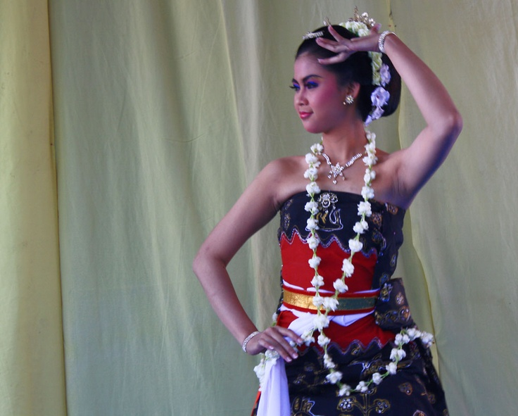 Gambyong Dance