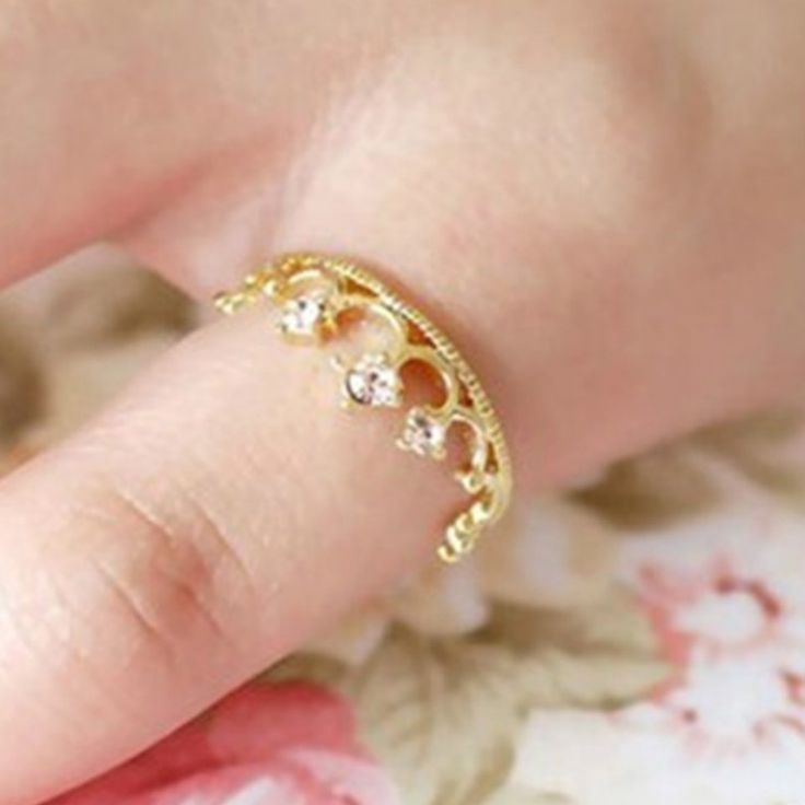 2016 Korean Version Of The New Fashion Flash Crystal Rings Shiny Crown Ring Jewelry Ring Wholesale Elegant Women