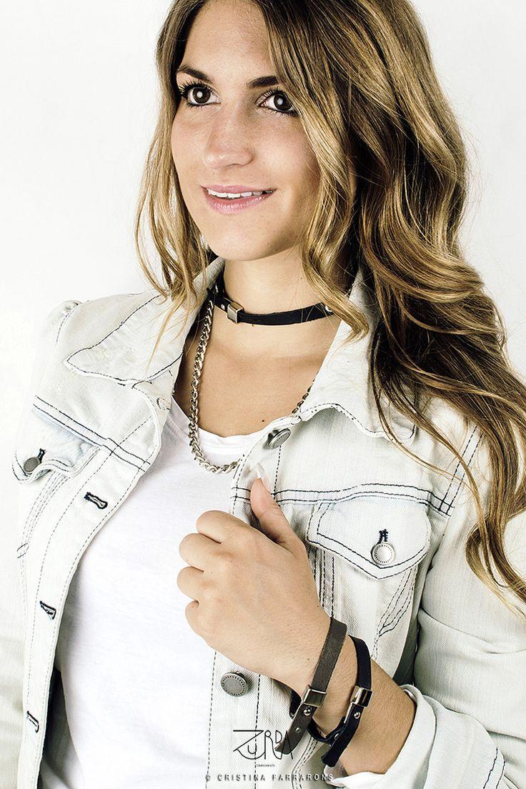 Collar Cima y pulseras Espiral, diseñado por Zurda. Modelo: Sara Belmonte. #Zurda #collar #necklace #pulsera #bracelet #bisutería #bijou #diseño #design #Terrenal #AW1415