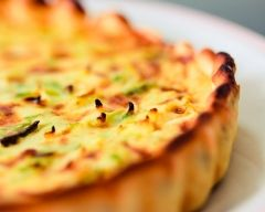 Tarte aux poireaux et au saumon (facile, rapide) - Une recette CuisineAZ