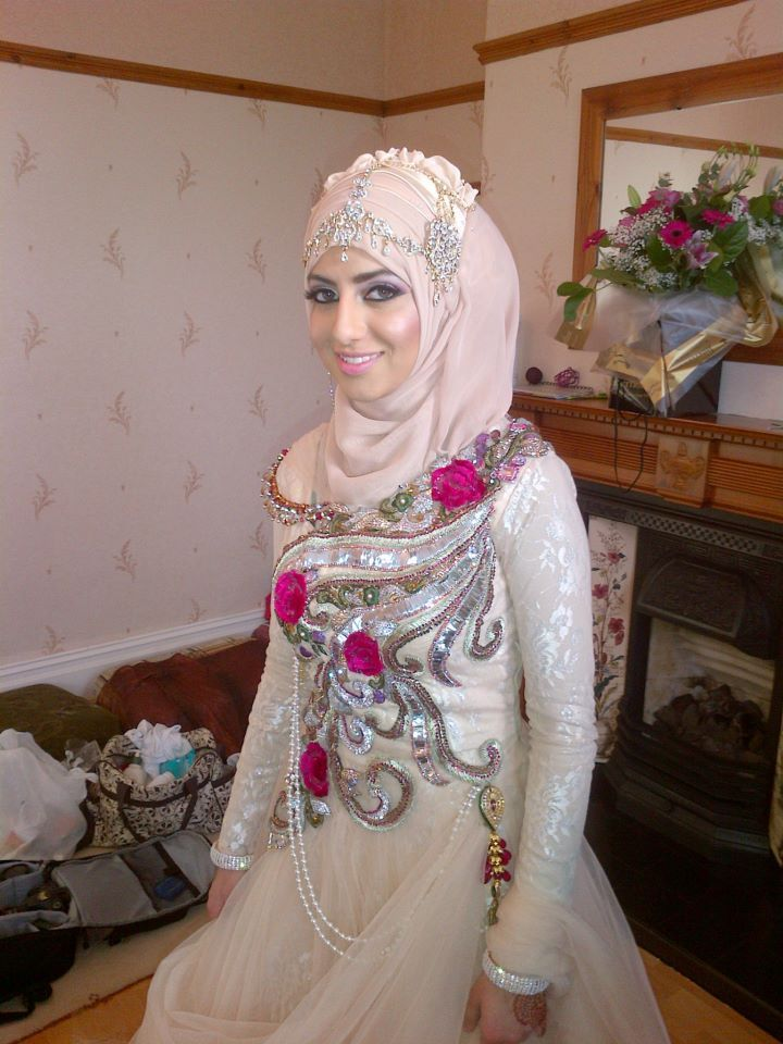 9 best islamic clothing images on pinterest bridal hijab for Wedding dresses for muslim brides