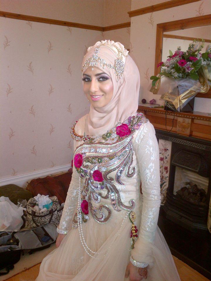 Bridal hijab designs – Hijab styles for Muslim brides. Latest Hijab styles in Dubai. Scarf styles for muslim women.