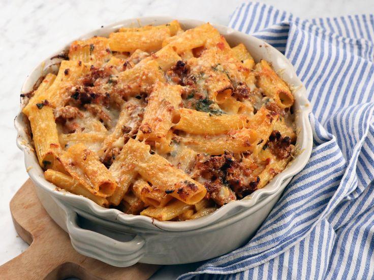 Pastagratäng med fläskfärs, mozzarella och tomat | Recept från Köket.se