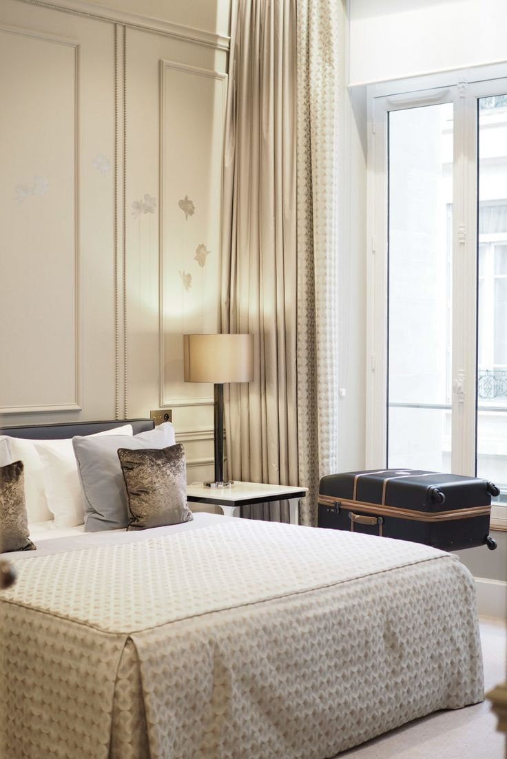 C and the city - How to find the perfect hotel in Paris - Le Narcisse Blanc - read more on the blog: C and the city - How to find the perfect hotel in Paris - Le Narcisse Blanc - read more on the blog: http://www.idealista.fi/charandthecity/2017/02/03/le-narcisse-blanc/