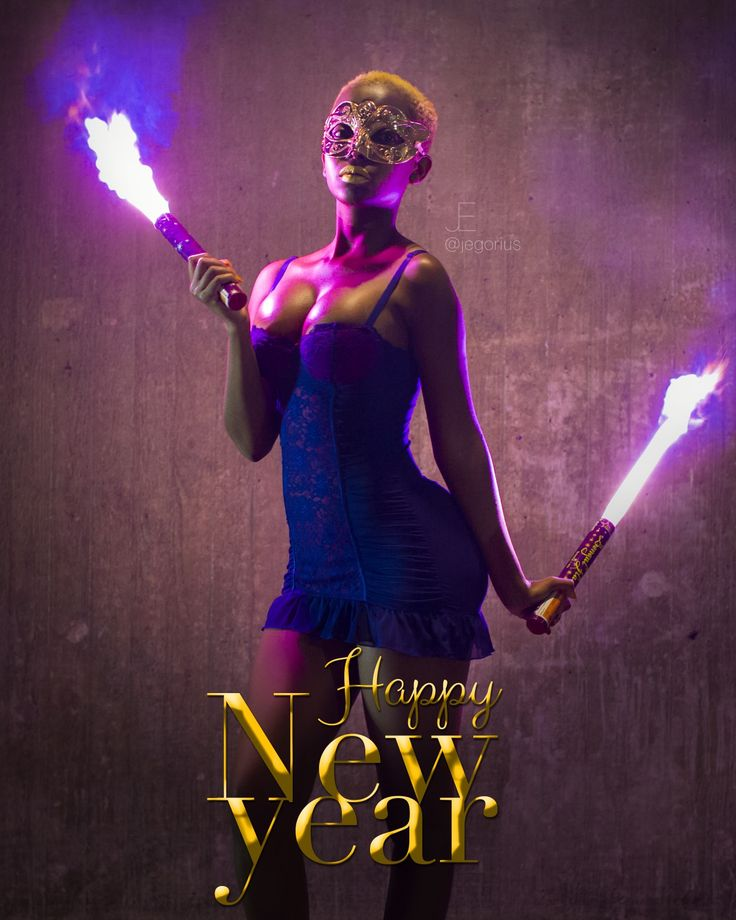 H A P P Y  N E W  Y E A R 🍾🥂🎉 #Model IG: @winnyhoneyy #Photo by IG: @jegorius  #happynewyear #happy #newyear #holidays #holidayseason #2018 #purple #flare #fire #gold #mask #lips #photoshoot #behindthescenes #video #nice #visuals #nicevisuals
