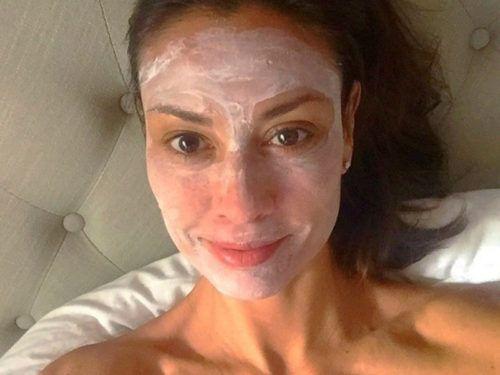 A barátnőm már 54 éves, de mindenki irigykedve tekint rá. Se ráncok, se öregedő bőr! - Ketkes.com