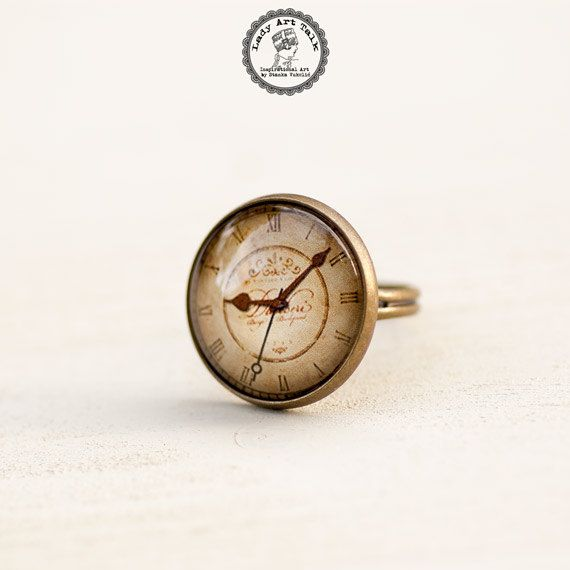 Old Clock Ring Antique Clock Adjustable Ring Glass by LadyArtTalk #antiqueclock #ring #uniquejewellry