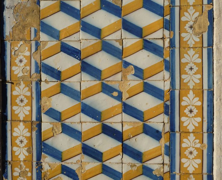 Paço de Arcos, building at Rua Costa Pinto [photo: Luís Marques] #polychrome #patterns #geometry #azulejo #frame #collaborativetimeline