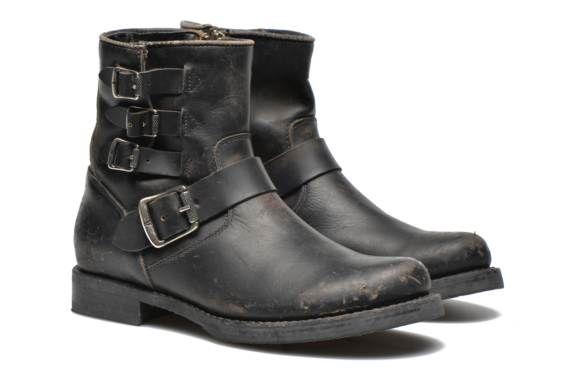 Bottines et boots Veronica belted short Frye vue détail/paire
