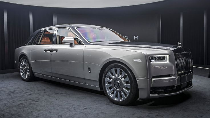 2018 Rolls-Royce Phantom VIII First Look | It's all new, we swear!