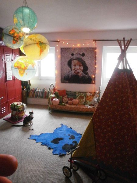 tipi + casiers rouge + globe  Bliss cocotte