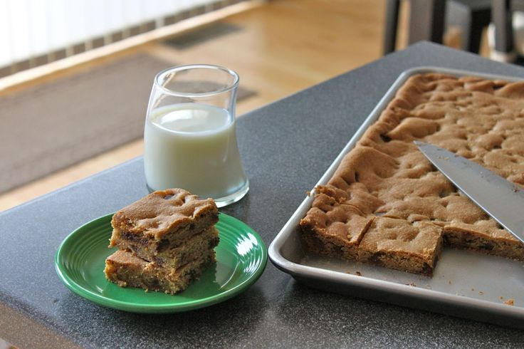 Baked Perfection: Chocolate Chip Cookies Bars- I used margarine and cut it down to 1cup.