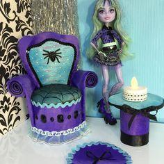 Sofá muebles sillón Mobiliario de muñeca Barbie Monster High Twyla