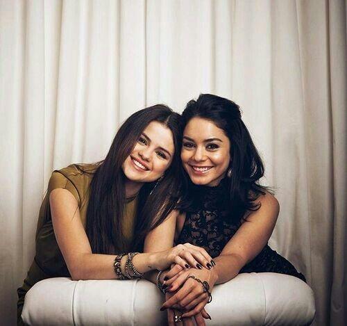 Selena and Vanessa true friends♥