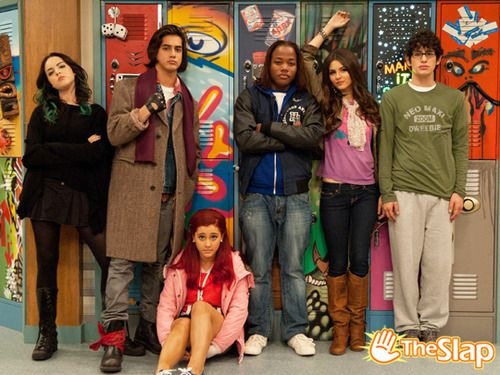 Jade,Cat,beck,Andre,tori and Robbie . Was my favorite tv show . This is the breakfast bunch episode