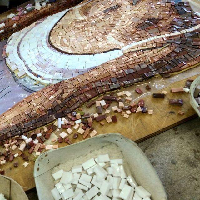 "Mosaico+ Artistic Mosaics - making of ""Ballerina"", design Ikos  #mosaicopiu #mosaic #design #ikos #art #artigianato #madeinitaly #craftmanship #mosaicoartistico #lovemosaic #artisticmosaics #art #master #handmade #smaltiveneziani #scuolamosaicistifriuli"