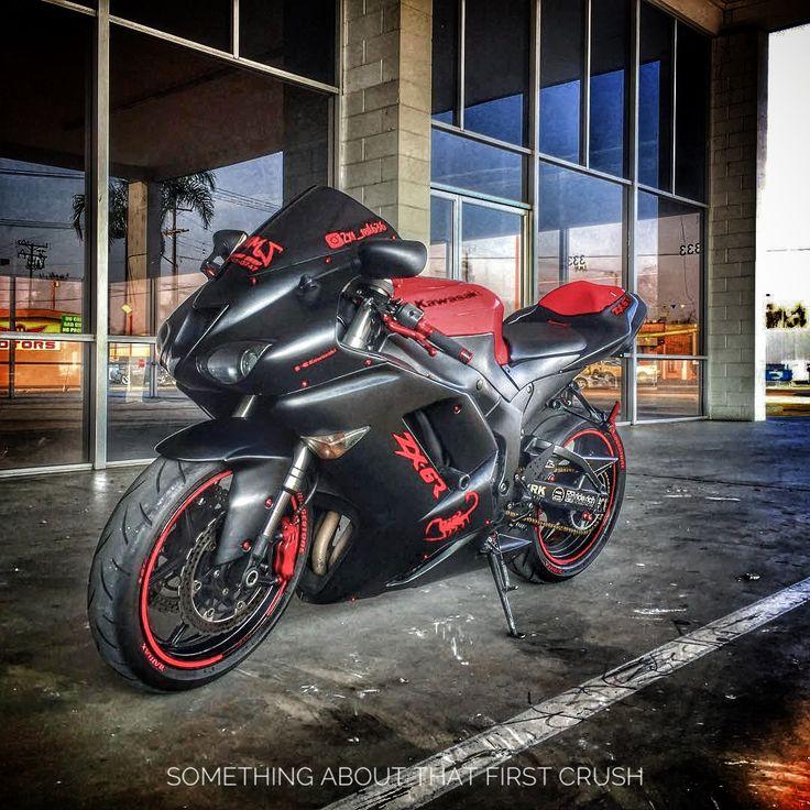"I'm like, ""Hey, what's up? Hello"".  IG: @zxr_red636  #sportbike #bikelife #kawasaki #zx6r #tbt"