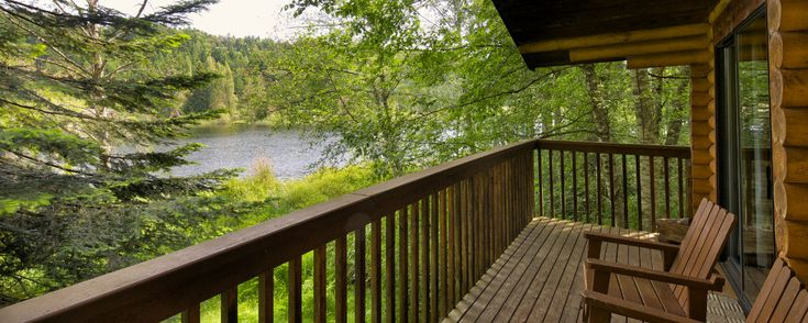 Cusheon Lake Resort - a vacation getaway off the coast of beautiful British Columbia in Canada situated on a 4 acre peninsula offering private accommodations with a lake view.
