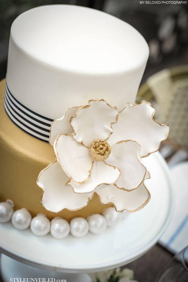 Art Deco Inspired Wedding Cake : Mais de 1000 ideias sobre Bolos De Aniversario Redondos no ...