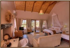 Choose where to Snooze - Karoo View Cottages: Kanon suite