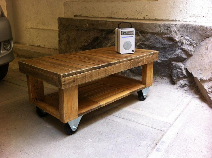 Mesa de centro hecha con cimbra de construcci n f cil de - Mesas de centro con ruedas ...