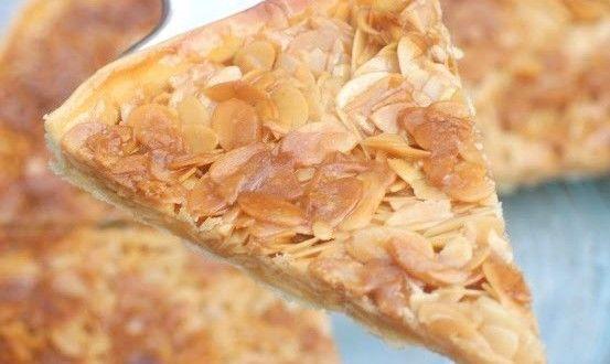 tarte aux amandes et miel Bonjour tout le monde,  Voila une très belle tarte a base d'amandes eff...