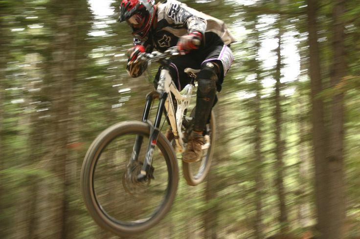 Mountainbiking #love #downhill #mountainbiking #mountainbike #mountainbiker #mountainspots #mountainsports #fun #nature #travel #extremesports #xtremespots #xtremespotsgram