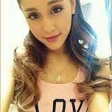 I love Ariana grande