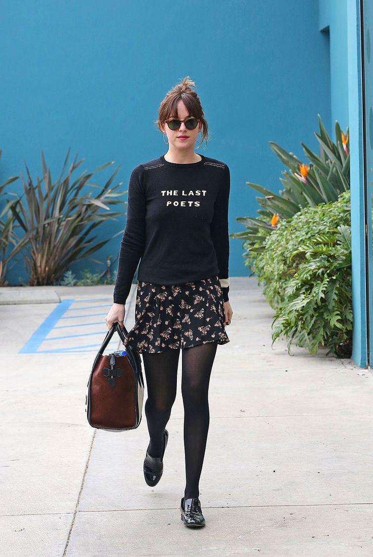 Falda corta y cachetero negro muy buena combinacion 10