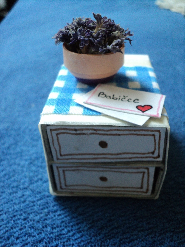 Box with flower