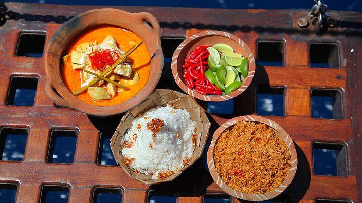 Fausi's tuna curry from Peter Kuruvita : SBS Food. Watch the video recipe.