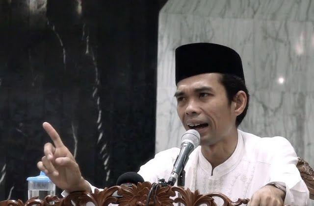 Rame-rame Membidik Ustad Abdul Somad ISLAMINEWS - (1) Ustadz Abdul Somad itu shumud (صمود) spartan dalam kebenaran. Lahir dari kekuatan irod...