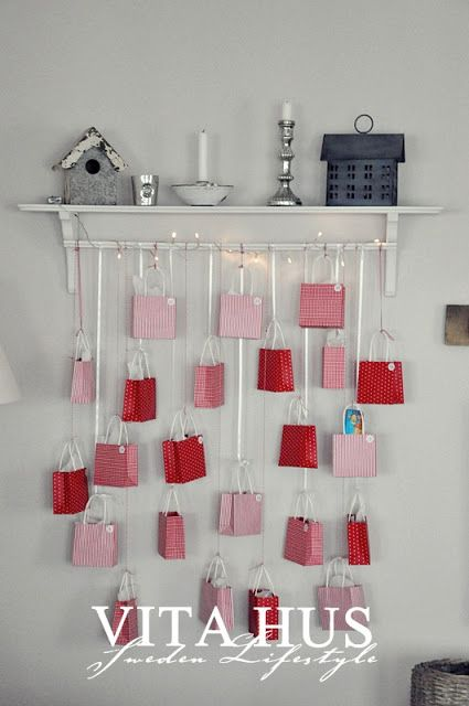 I could hang those little bags to the crib... Adventskalender