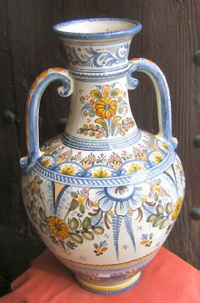 *SPAIN~SPANISH CERAMIC FROM PUENTE DEL ARZOBISPO(TOLEDO):De la Cal Barriera,is known to be one of the most famous families in Spain for ceramic. For many generations this family has been making the best usable ceramic in Spain.