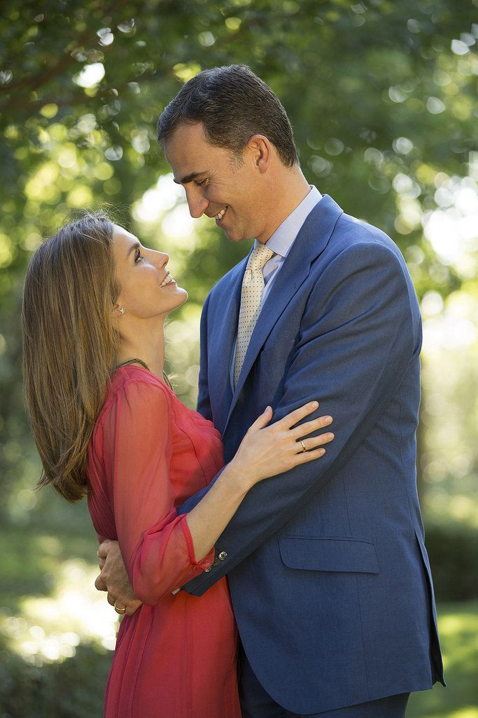 In September 2012, Letizia and Felipe celebrated his 40th birthday with a sweet embrace in Madrid.