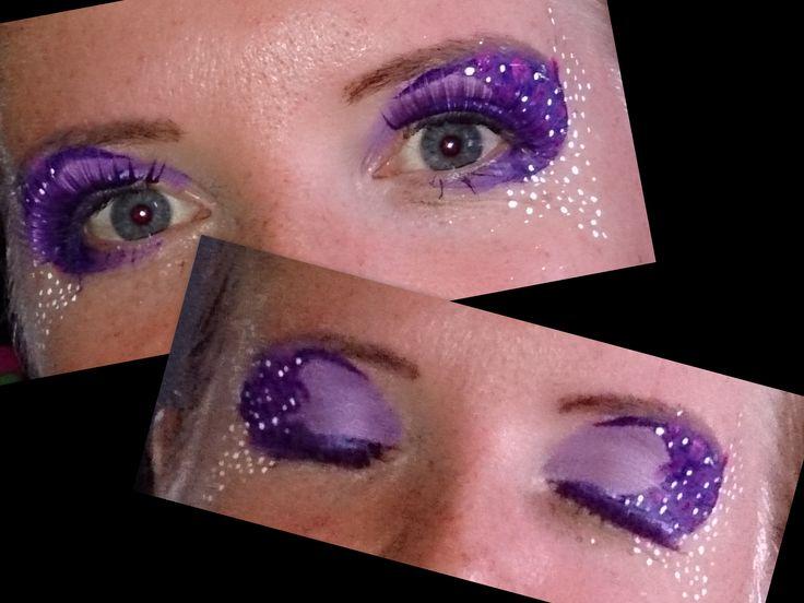 Paarse oogmake up voor 90's party. Gemaakt met Superstar schmink en PartyXplosion. En glitters van Global. Purple Eyedesign