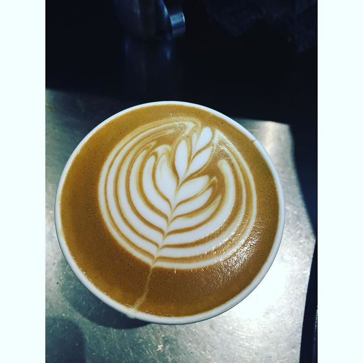 Tulips..... We have a love hate relationship.... #latteart #baristalyfe #cibohenley by kimneo85