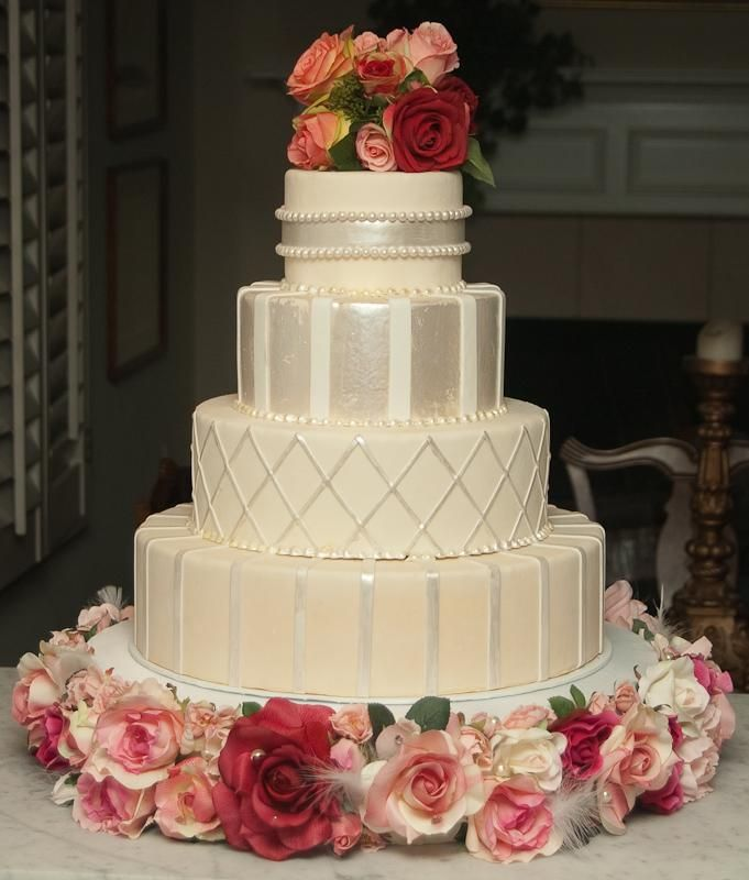 25 best ideas about jewel wedding cake on pinterest - Jewel cake decorations ...