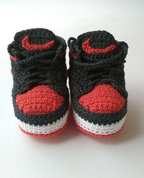 Crochet bebé botín Nike Nike Air Jordan zapatos por KrissiCrochets