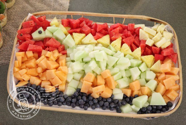 Love this fruit platter for a Dinosaur themed party! Plus there are some other great party ideas on the linked blog post.